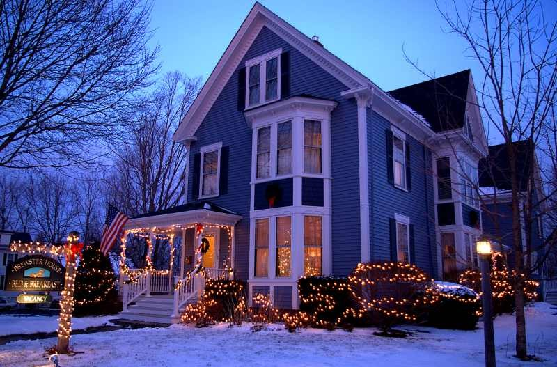 brewster house with christmas lights