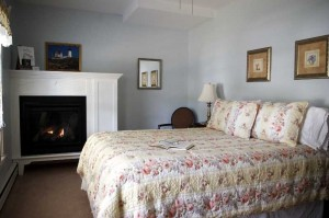Brewster House Bed & Breakfast, Cape Neddick Room (2)