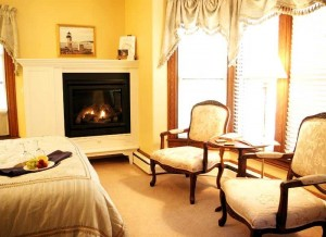 Brewster House Bed & Breakfast, Marshall Point Room (4)