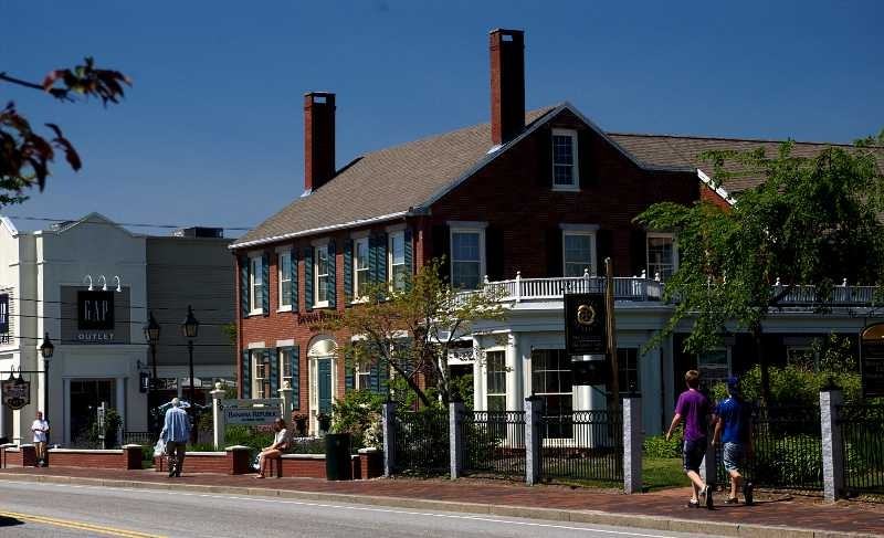 According To Freeport Usa There Are Well Over 140 S And Restaurants In They Range From L Bean Five Small Like Isabella